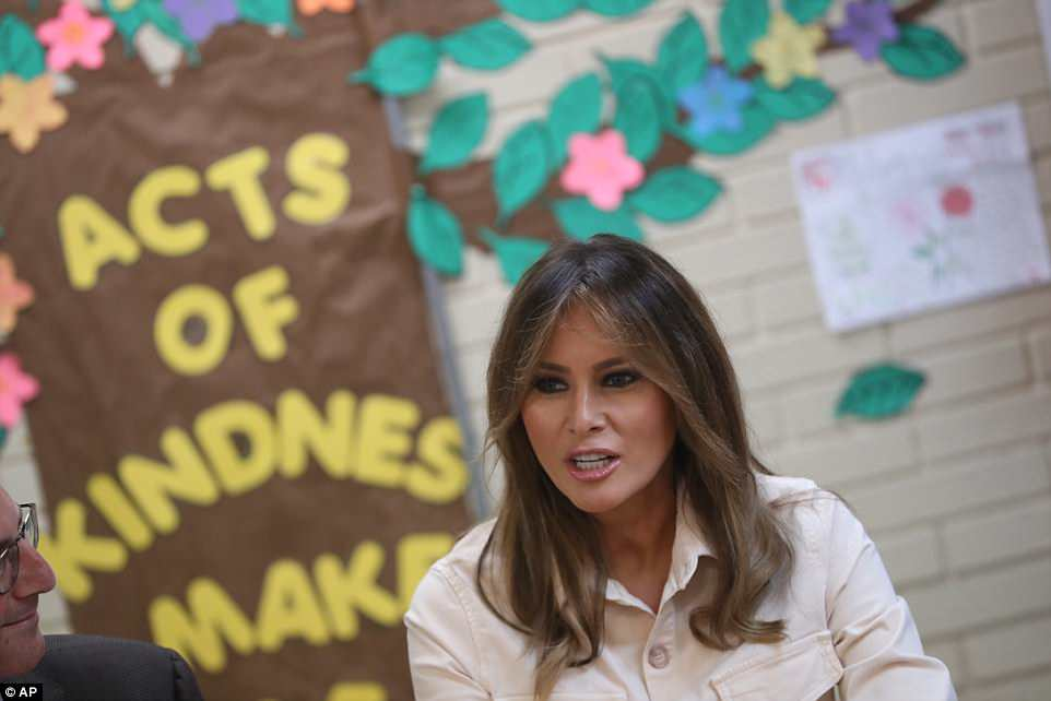 The Serious Side - part 6 - Page 10 4D7E984400000578-5871221-On_the_border_Melania_visited_the_Upbring_New_Hope_Children_Cent-a-115_1529628562714