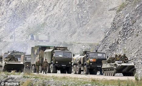 نبذة عن حرب روسيا و جورجيا Article-1043236-023DCFAB00000578-813_468x286