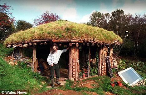 Habitats alternatifs, cabanes et huttes - Page 6 Article-1056637-02ACE27800000578-706_468x303