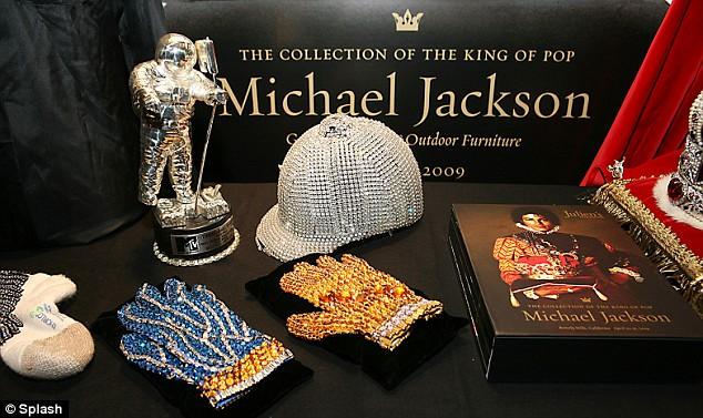 [Causa vinta] Causa legale contro Michael Jackson Estate e Julien's Auctions (LaPointe)  Article-1164715-0412CF48000005DC-370_634x377
