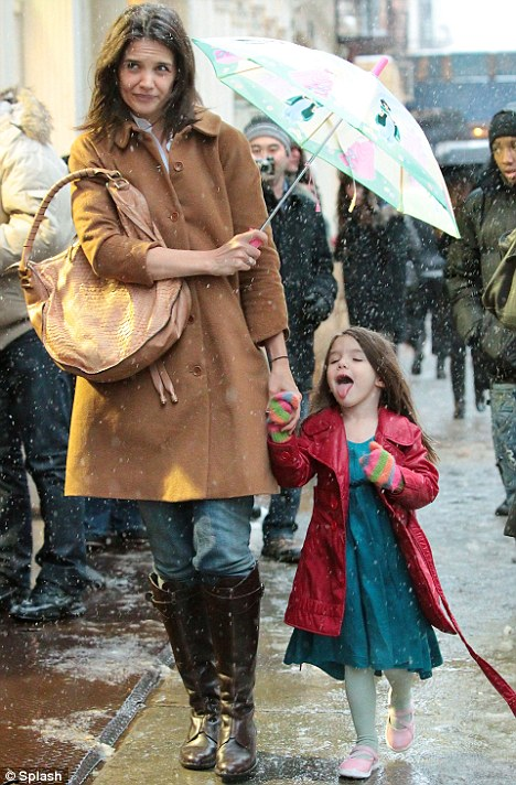Suri Cruise (What a gorgeous child)!! Article-1250054-083CB7A6000005DC-568_468x712