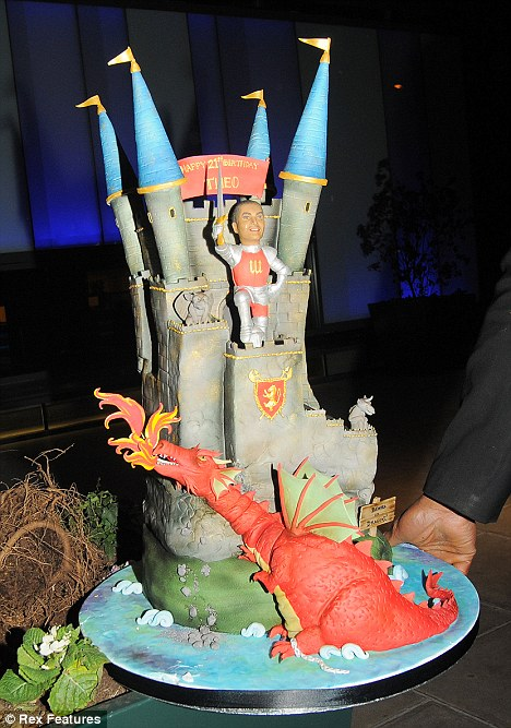 Photos celebrate Theo Walcott birthday 21 Article-0-08B8CBE2000005DC-967_468x667