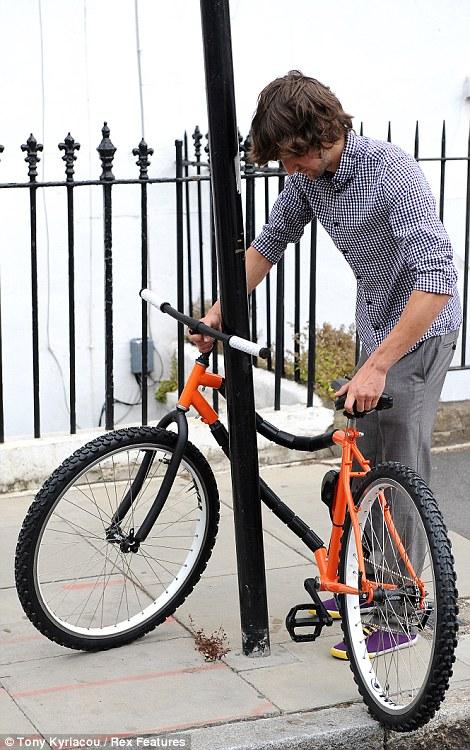 Vélo et autres véhicules à propulsion humaine - Page 2 Article-1292986-0A5AA905000005DC-852_470x750