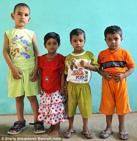 La historia del niño más alto de la India, Karan Singh Article-0-0B663080000005DC-282_468x483