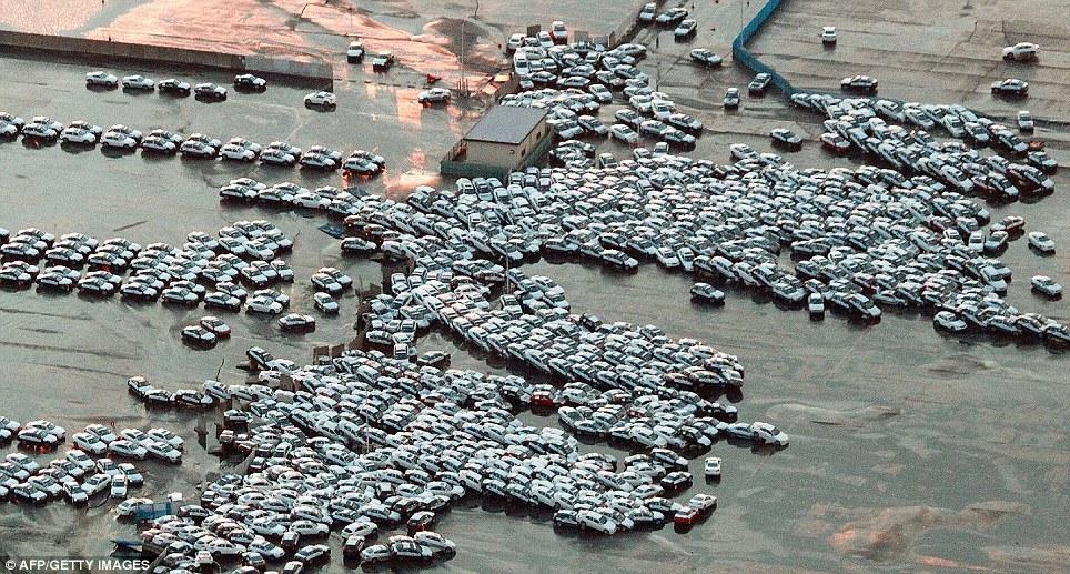 [Japon] Séisme de 9 avec tsunamis et incident nucléaire MAJEUR Article-0-0D91FD9A000005DC-275_964x517