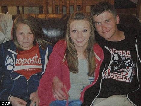 #7 - Hailey Dunn Missing in Colorado City, TX Article-1367726-0B3D2B2500000578-859_468x351