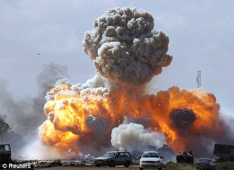 Terror attacks on UK streets over Gaddafi bombing raids  Article-1369362-0B49943500000578-171_468x339