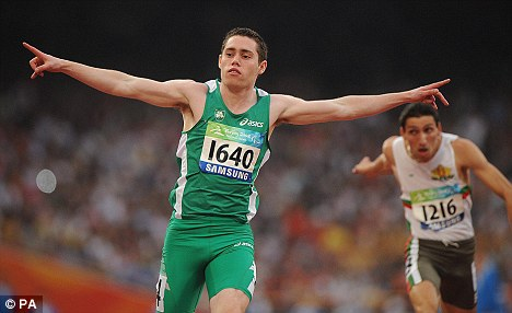 Jason Smyth - despite 10% vision, he is seriously quick! Article-0-02A3C4D100000578-453_468x286