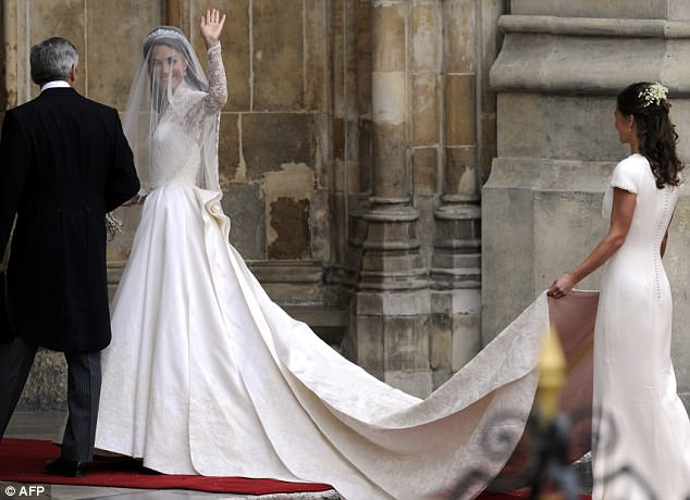 Magical wedding for a Royal bride... and even the vergers were doing cartwheels in the aisle Article-1381795-0BD348FE00000578-733_634x460