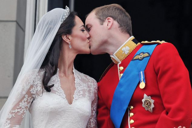 Magical wedding for a Royal bride... and even the vergers were doing cartwheels in the aisle Article-1381795-0BD6A25100000578-225_634x425