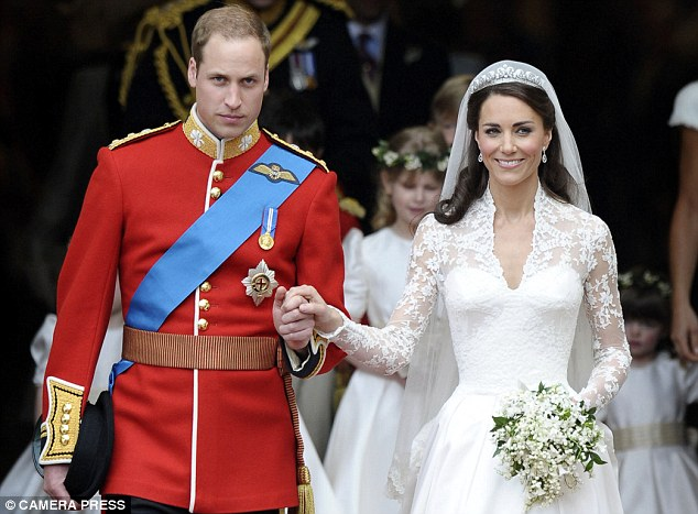 CONGRATULATIONS TO WILLS AND KATE Article-1386898-0BD5714B00000578-299_634x467