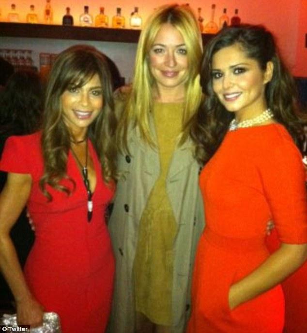"Cheryl Cole > programa ""The X Factor""   #CherylGroups - Página 2 Article-1387844-0C1A27E200000578-625_634x686"