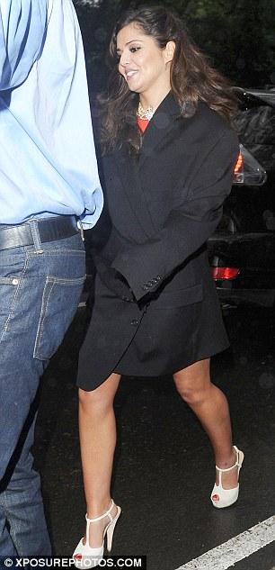 "Cheryl Cole > programa ""The X Factor""   #CherylGroups - Página 2 Article-1387844-0C1A41D200000578-745_306x633"