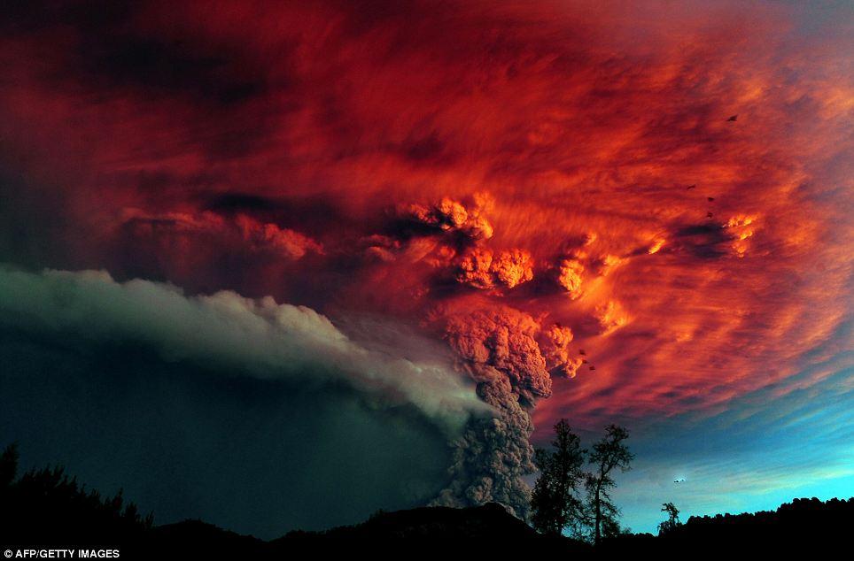 صور مذهــلة لاندلاع بركان تشيلي Article-1394503-0C6C205500000578-539_964x634