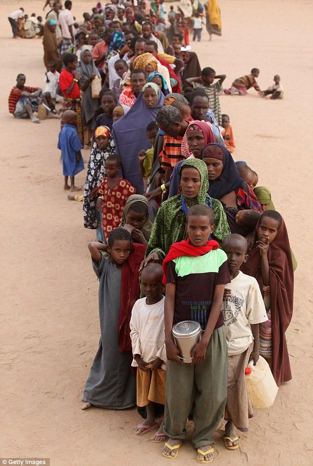 Ogathoa Somalia أغيثو الصومال (( للنشر For publication )) Article-2025054-0D20F8DF00000578-879_634x944