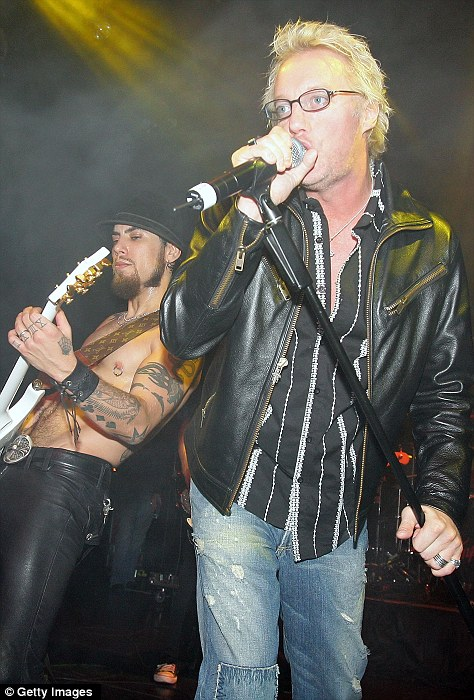 'I am Jani Lane': Bizarre note found in dead Warrant singer's pocket Article-2025274-0D66281900000578-494_474x700