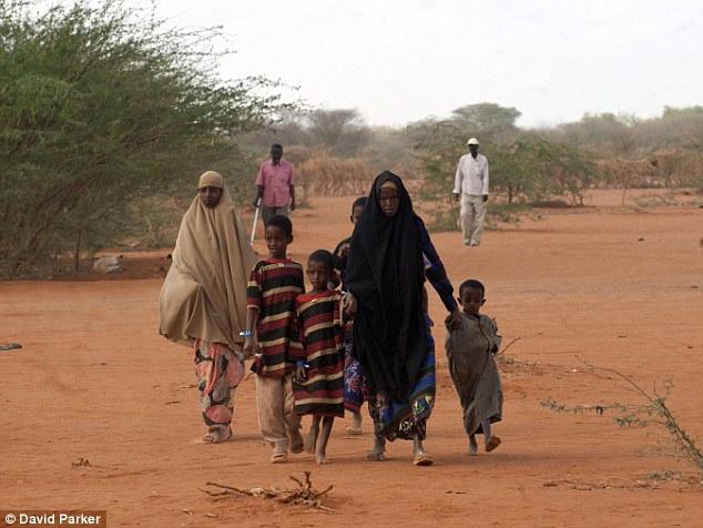 Ogathoa Somalia أغيثو الصومال (( للنشر For publication )) Article-2025490-0D55A6E800000578-360_634x476