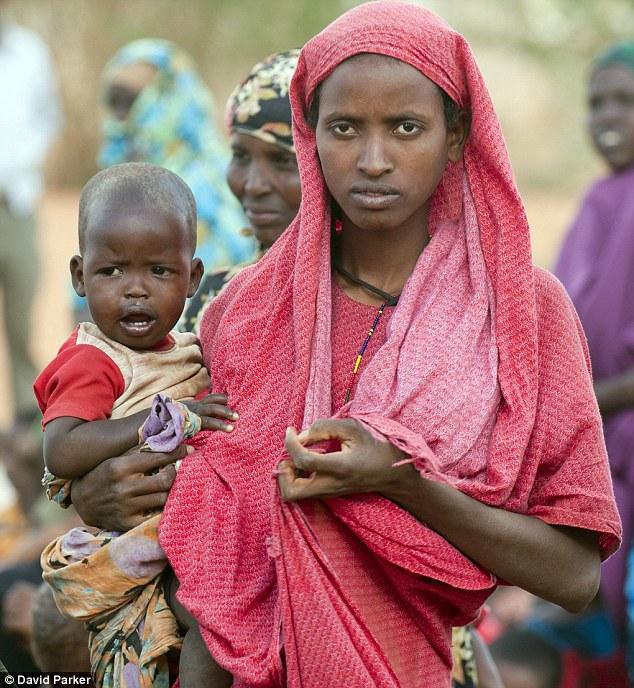 Ogathoa Somalia أغيثو الصومال (( للنشر For publication )) Article-2025490-0D5AF6AD00000578-490_634x688
