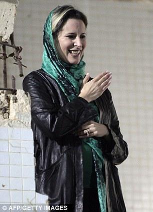 صور نادرة عن عائلة القذافى تنشر لاول مرة (( خاص امواج )) Article-0-0DA1B85B00000578-88_306x423