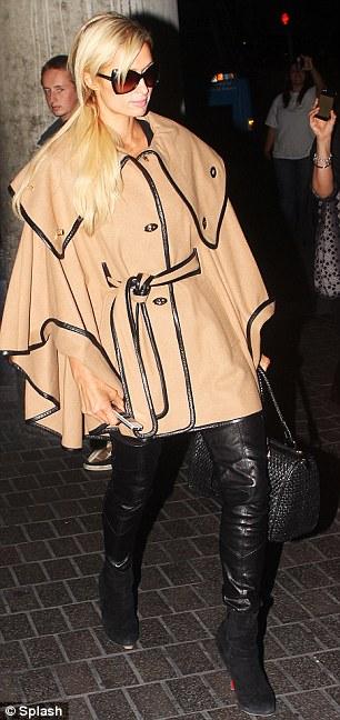 #Concurso >> Paris Hilton My New BBF...<THE WINNER IS.. pag. 28 - Página 15 Article-0-0E54DEE000000578-406_306x648