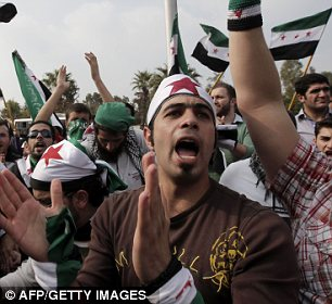 بالصور // The events of Tahrir Square on 19.20, 21, 22.23, 24 November أحداث ميدان التحرير يوم  19، 20 ، 21 ، 22 ، 23 ،24نوفمبر Article-2065194-0EEE8E1A00000578-443_306x280