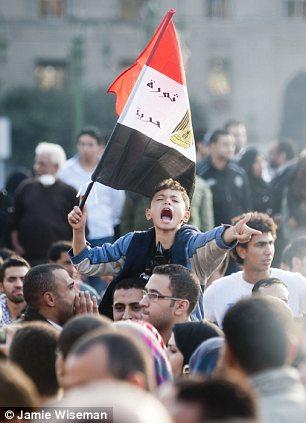 بالصور // The events of Tahrir Square on 19.20, 21, 22.23, 24 November أحداث ميدان التحرير يوم  19، 20 ، 21 ، 22 ، 23 ،24نوفمبر Article-2065194-0EEEA03600000578-477_306x423