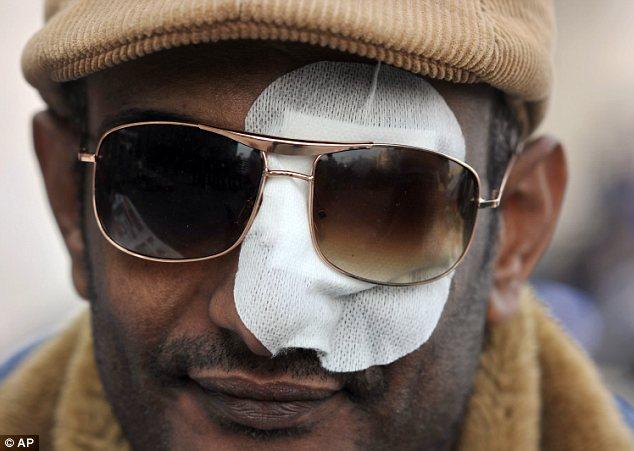 بالصور // Egypt Tahrir today  مصر التحرير اليوم Article-2066172-0EF0B2AF00000578-623_634x451