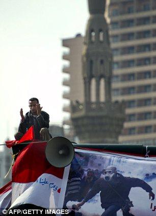 بالصور // Egypt Tahrir today  مصر التحرير اليوم Article-2066172-0EF0CBDD00000578-131_306x423
