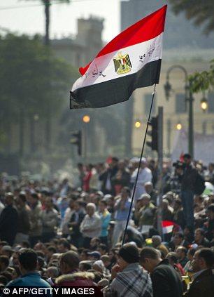 بالصور // Egypt Tahrir today  مصر التحرير اليوم Article-2066172-0EF0D06300000578-304_306x423