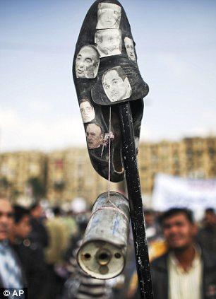 بالصور // Egypt Tahrir today  مصر التحرير اليوم Article-2066172-0EF0D18400000578-131_306x423