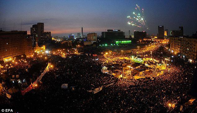 بالصور // Egypt Tahrir today  مصر التحرير اليوم Article-2066172-0EF1963900000578-153_634x365
