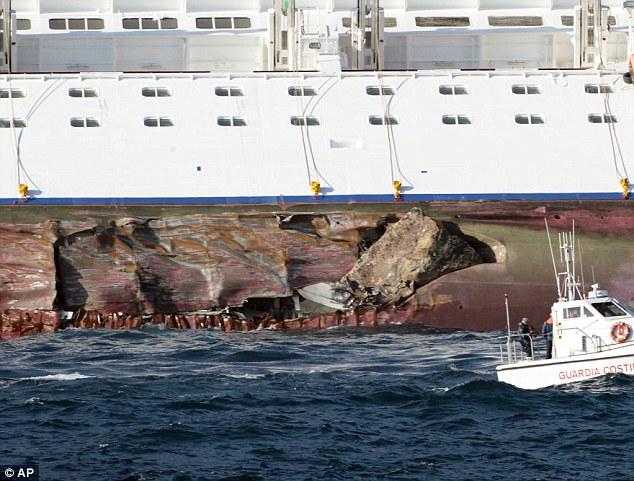 mega cruise liner sinks Article-2086527-0F7474AE00000578-838_634x481