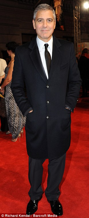 PREMIOS >> BAFTA 2012  Article-2100138-11B3A868000005DC-720_310x756