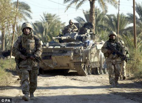 Le Black Watch et d'autres régiments historiques risquent de disparaitre Article-2141112-01DBAD610000044D-462_468x338