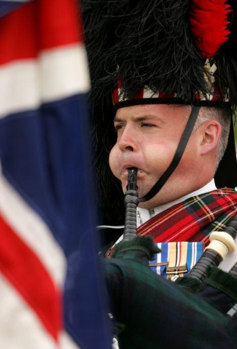 Le Black Watch et d'autres régiments historiques risquent de disparaitre Article-2141112-02A705710000044D-481_468x690