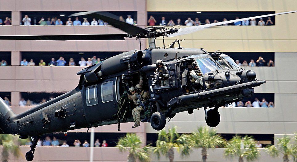 Black Helicopters, Special Forces Train For RNC Police State Article-0-1342BB13000005DC-231_964x526