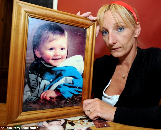 Latest news about Ben Needham - Police to dig up mound of Earth Article-2156261-1343AC5F000005DC-721_634x512