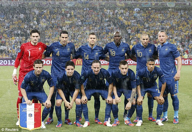 [EURO 2012] [Groupe D] Ukraine, Suède, France, Angleterre - Page 4 Article-2159715-13A08705000005DC-200_634x438
