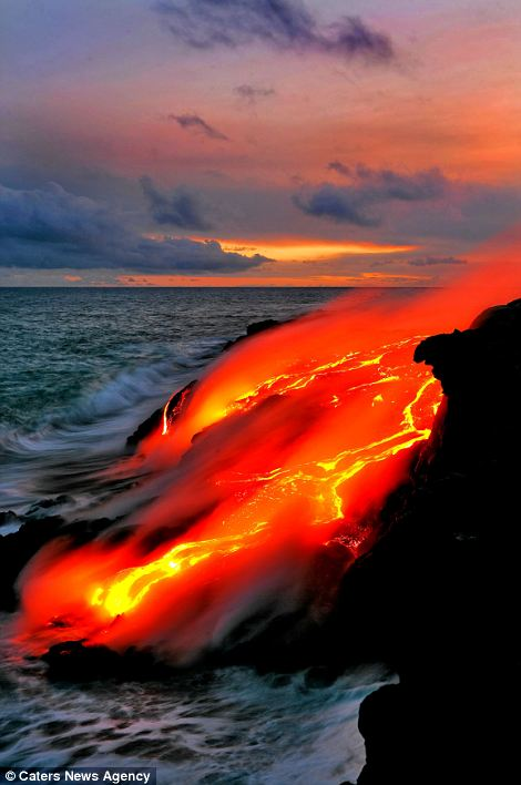 """""""Photographers brave boiling waters to capture the drama of ... lava crashing into the sea off Hawaii""""  Article-2198591-14D87DA0000005DC-176_470x708"""