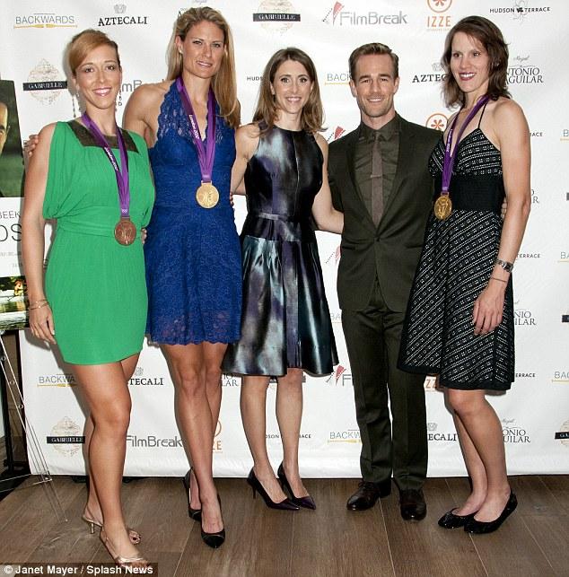 ¿Cuánto mide Robin Van Persie? - Real height Article-2205346-1515CC54000005DC-743_634x643