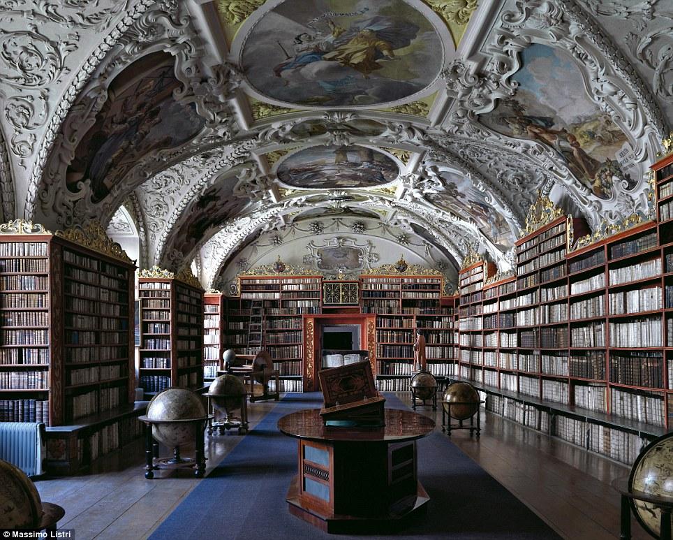 Najlepše biblioteke na svetu - Page 3 Article-2212945-155955A3000005DC-263_964x773