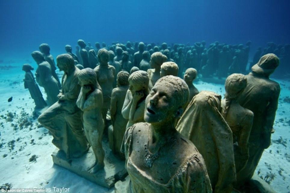 Podvodne skulpture Article-2220524-1595BC0D000005DC-313_964x641