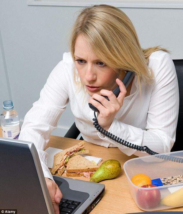 Što misliš da sada radi osoba iznad prikaži slikom - Page 6 Article-2267464-1721A3F1000005DC-625_634x741