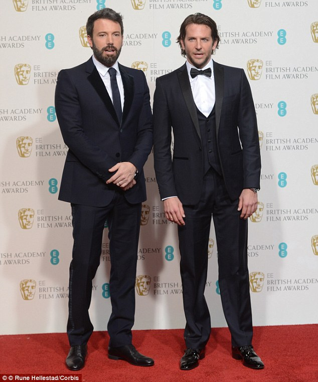 ¿Cuánto mide Bradley Cooper? - Altura - Real height Article-2287733-17A967A8000005DC-244_634x762