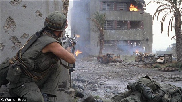 Full Metal Jacket (Stanley Kubrick, 1987) Article-2301064-18FE044A000005DC-971_634x356