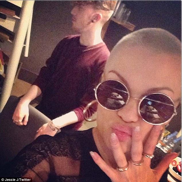 Jessie J en Redes Sociales >> @jessiejofficial (Twitter) & isthatjessiej (Instagram) - Página 7 Article-2320055-19A373BF000005DC-842_634x636