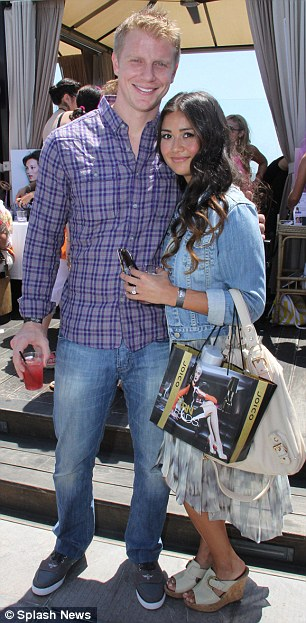 Sean & Catherine Lowe - Pictures - No Discussion - Page 3 Article-0-19BBFA26000005DC-924_306x623