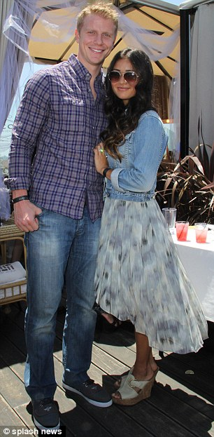 Sean & Catherine Lowe - Pictures - No Discussion - Page 3 Article-0-19BBFB26000005DC-163_306x623
