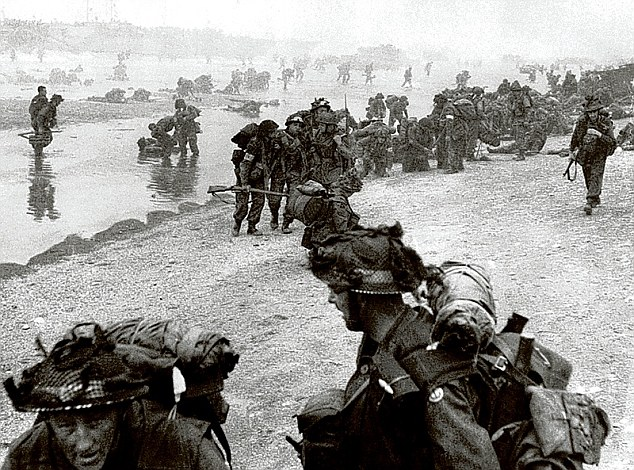 D-DAY Article-2336615-1A2BAA71000005DC-90_634x470