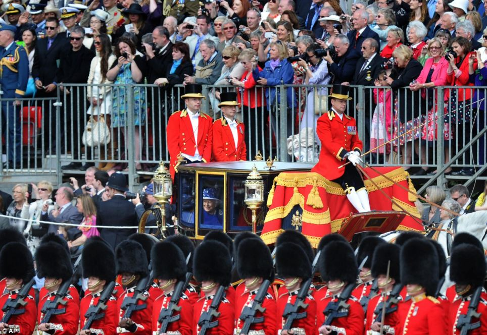 Trooping the Colour 2013. Article-2342119-1A551CC4000005DC-217_964x664
